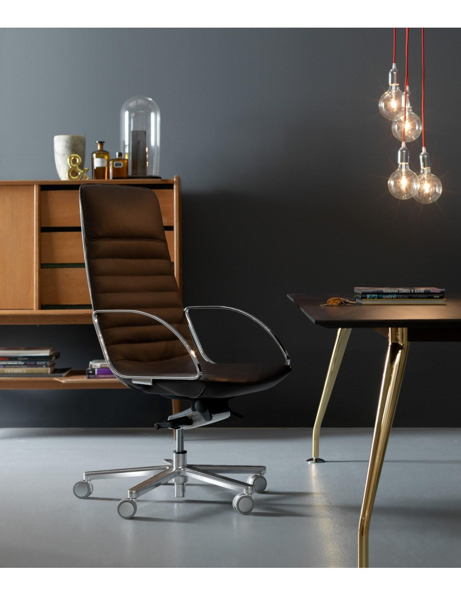Amelie Slim executive chair by Quinti Sedute