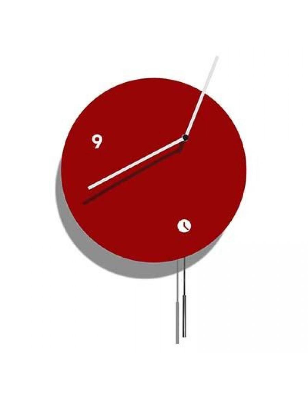 stenska ura, lakirana rdeče z nihalom