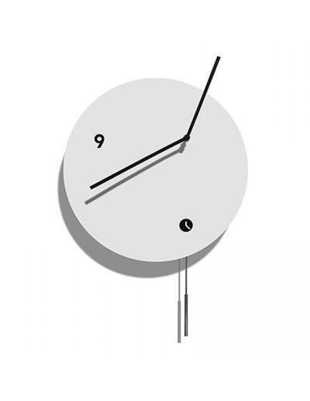 stenska ura, lakirana belo z nihalom