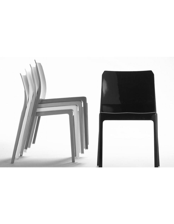 Mi_Ami naloženi stoli