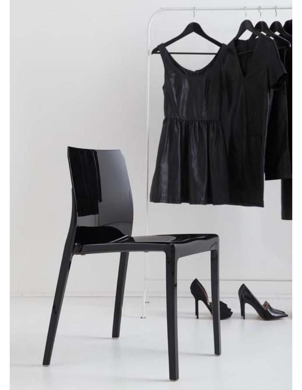 Mi_Ami Jet Black / črne barve