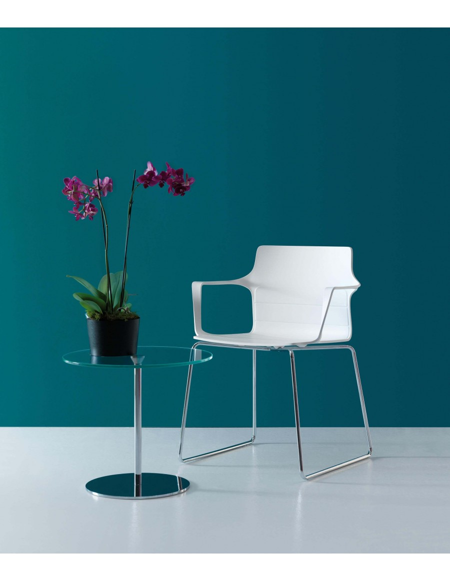 Kelly chair | White shell, sledge base