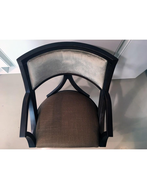 Stol z rokonasloni